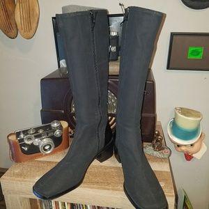 Donald J Pliner calf boots